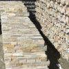 Amarelo dourado empilhadas de ardósia natural revestimento de paredes de pedra (SMC-SCP435)