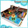 Cour de jeu d'intérieur de bateau de pirates de jeu mou vilain du château des enfants grande