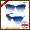 Occhiali da sole di plastica su ordinazione colorati poco costosi F7010