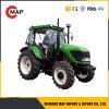 農場の道具が付いている4WD 100HPの車輪のトラクター