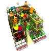 Patio de recreo en el interior de juguete de madera
