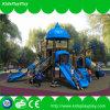 Kind-Spielplatz-im Freienplättchen im Vergnügungspark-Spielplatz