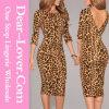 L'impression V faible de léopard soutiennent la robe du MIDI
