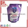 La bolsa de plástico detergente del embalaje que se lava con la boquilla