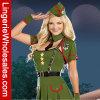 Traje atractivo del soldado de sexo femenino de la Segunda Guerra Mundial