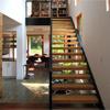 Pisadas de escalera abiertas de madera sólida de la canalización vertical de la escalera del larguero del acero suave del hogar
