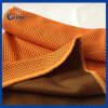 De oranje Sporten die van Microfiber van de Kleur Handdoek koelen