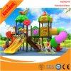 glissière de jouet coloré de gosses et usine extérieures de cour de jeu d'oscillation