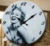 Reloj de pared de madera de la manera