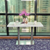 El blanco puro cuartos de la mesa de comedor mesa de restaurante piedra artificial