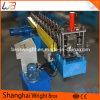 Machine à former des rouleaux de cloisons sèches