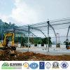 Estructura de acero de la luz o el edificio de fábrica o taller.