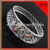 銀製の宝石類の腕輪