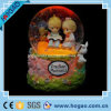 Polyresin Water Ball con Lover e Snow (HG163)