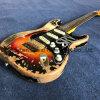 Sunburstカラー(SRV-2)の老化させた遺物のエレキギター