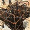Base de structure métallique avec le boulon d'anchrage et la plaque de position