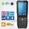 Lecteur terminal tenu dans la main androïde du support NFC du lecteur de code à barres PDA