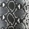 ヘビによって浮彫りにされるPUの革(K638)