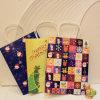 La Navidad imprimió el bolso de papel del regalo/la bolsa de papel de Kraft con la manija de papel