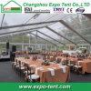 Große transparente Partei-Zelte mit Tischen und Stühlen