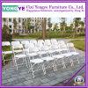 Wohnzimmer sitzt /Plastic-Falte-Stuhl/Gaststätte-Möbeln vor