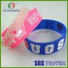 Wristbands de silicone de relief par caoutchouc imperméable à l'eau jetable bon marché en bloc fait sur commande en gros de bracelet de mode aucun ordre minimum