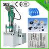Produtos plásticos das partes pequenas que fazem a maquinaria a máquina vertical da injeção