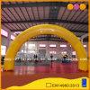 Arco chiuso ermeticamente della decorazione gialla del partito per la pubblicità (AQ5332-1)