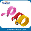주문 로고를 가진 다채로운 실리콘 철석 때림 소매끝 USB 섬광 드라이브