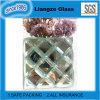Modelo cuadrado sobre el vidrio ultra claro del espejo para la decoración