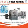 Завод 3in1 воды разливая по бутылкам в машине завалки