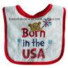 中国の工場大きさの農産物は赤いデザインによって刺繍された白い綿のテリーの赤ん坊のエプロン胸当てをカスタマイズした