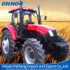 Un azionamento delle 4 rotelle, grande trattore agricolo a ruote del trattore agricolo