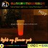 照らされた庭の家具多彩な点滅LEDの植木鉢