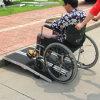 Rampa di alluminio antisdrucciolevole della sedia a rotelle di caricamento