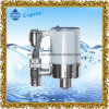El filtro del grifo doméstico alcalinas