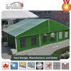 Tienda militar de ayuda humanitaria al aire libre con color verde del ejército