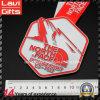 큰 모양의 관례에 의하여 돋을새김되는 로고 스포츠 메달