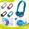 O auscultadores colorido das crianças caçoa auriculares