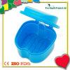 Fördernder Plastikzahn sparen Kasten