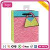 Мешок цветастого розового подарка искусствоа магазина одежды бумажный