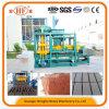 Bloco concreto do tijolo da manufatura profissional que faz a máquina