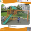 Jardin d'enfants d'escalade en bois avec rotation du châssis