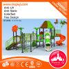 O plástico comercial dos miúdos desliza o campo de jogos ao ar livre pré-escolar