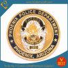 La polizia su ordinazione di sfida del ricordo su ordinazione conia