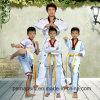 Формы for&#160 Taekwondo высокого качества; Ребенок и инструктор