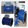 La abrazadera en el medidor de flujo electromagnético para las aguas residuales