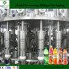 El profesional embotella el jugo que hace la máquina de rellenar del equipo/del jugo fresco