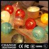 A corda feericamente do diodo emissor de luz da esfera de algodão ilumina a decoração do Natal do banquete de casamento