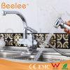 Retirar o Faucet sanitário da cozinha da torneira de água dos mercadorias